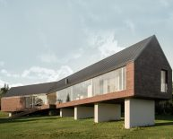 Nowoczesny dom jednorodzinny na skarpie | Gzin