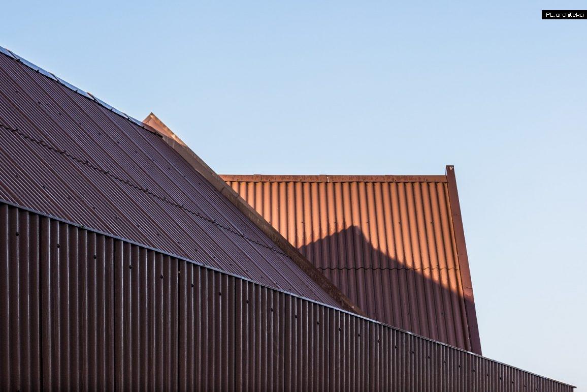 płyta falista na elewacji nowoczesnej stodoły