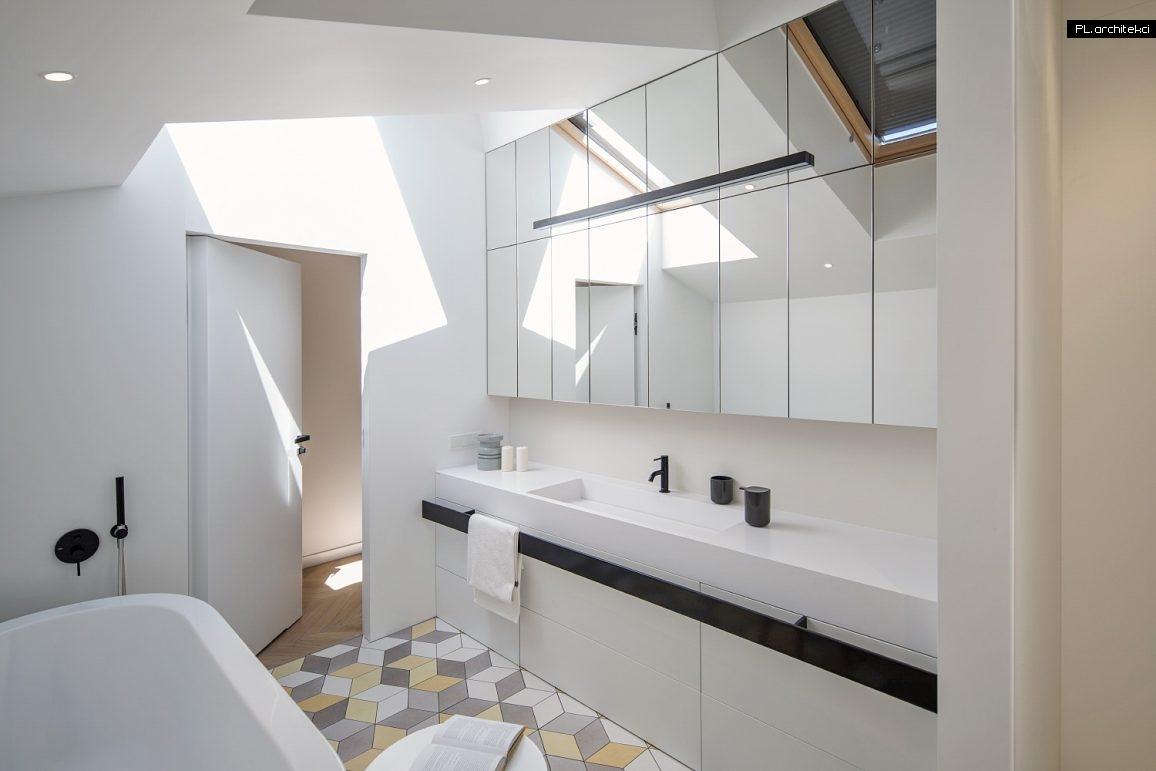 Nowoczesne wnętrze dwupoziomowego apartamentu | Warzelnia, Poznań