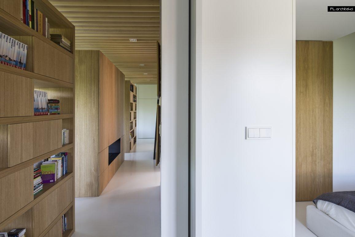 Nowoczesne wnętrze apartamentu: komunikacja | Warzelnia, Poznań